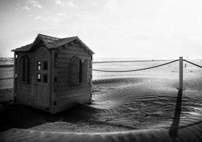 Cold beach.5